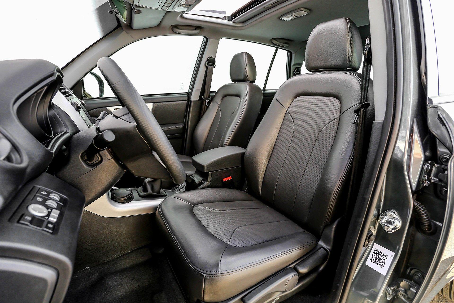 نمای داخلی خودرو لیفان X60