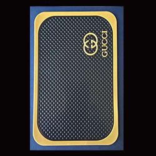 پد-نگهدارنده-سلیکونی-روی-داشبورد-خودرو-222